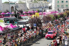 IL VIDEO della partenza del Giro d'Italia da Giovinazzo