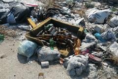 Abbandono rifiuti: «Fenomeno in aumento sulla Giovinazzo-Bitonto»