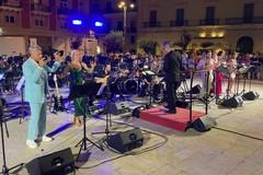 L'Orchestra Sinfonica Metropolitana strega piazza Vittorio Emanuele II