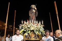 San Francesco da Paola sulle acque del porticciolo (FOTO)