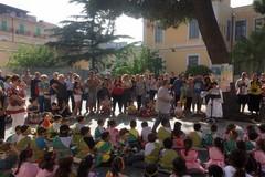 """I bimbi della scuola """"San Tommaso"""" a contatto con il mito greco"""