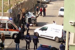 Auto ribaltata in via Crocifisso