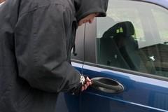 Anche un'auto rubata nella domenica orribile di Giovinazzo