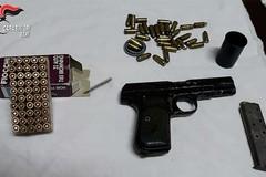 Nascondeva una pistola e munizioni nel suo garage. Arrestato un 36enne