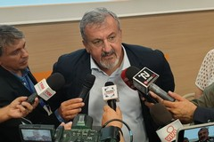 Emiliano ai pugliesi in fuga dal Nord: «Fermatevi e tornate indietro»