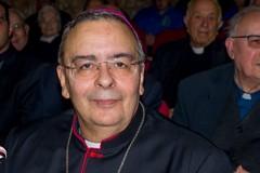 Malore durante la Messa, apprensione per Mons. Donato Negro