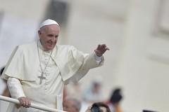 Papa Francesco a Bari, biglietti alle parrocchie
