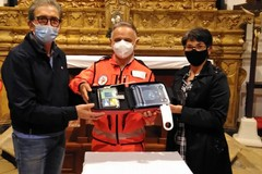 Associazioni di Giovinazzo donano defibrillatore al SerMolfetta