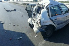 Terribile incidente sulla 16 bis: morto un 81enne. Traffico in tilt