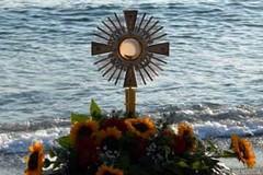 """Si prega in riva al mare """"A volto scoperto"""""""