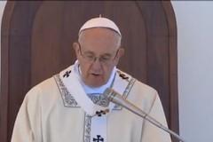 Mons. Cornacchia all'IVE per presentare il libro sulla visita di Papa Francesco a Molfetta