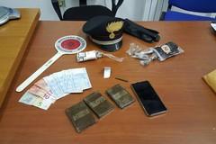 Droga e proiettili, blitz dei Carabinieri: preso un 20enne