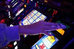 Gioco d'azzardo, a Giovinazzo bruciati oltre 9 milioni di euro