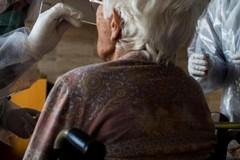 Il contagio torna a preoccupare in Puglia: il 13,49% dei tamponi positivi al Covid