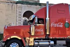 Tir Coca Cola in piazza Vittorio Emanuele II