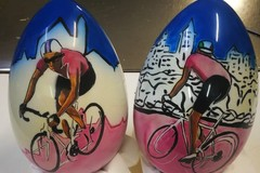 Giro d'Italia a Giovinazzo: l'attesa tra le uova di Giotti e drink d'autore