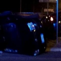 Incidente stradale sulla 16 Adriatica: un'auto si ribalta