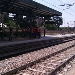 Tragedia in stazione: ragazza investita da un Intercity