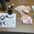 Nascondevano hashish e cocaina in casa. Arrestata una coppia di 31enni