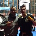 Medaglia d'oro dal kick boxing. Vince Dell'Olio