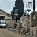 Cimitero Giovinazzo, proseguono i lavori. Arrivate le nuove scale