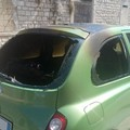 Misterioso incendio: in fiamme una Nissan Micra ed una Opel Astra
