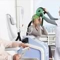 L'Inner Wheel di Trani e il Rotary di Molfetta acqusitano cuffie termiche per chemioterapia