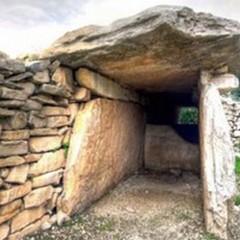 Escursione al Dolmen di San Silvestro per l'ArcheoTour 2015