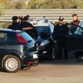 Abbandona la complice ferita e scappa: inseguimento folle tra Giovinazzo e Bitonto