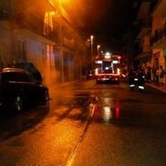 Auto in fiamme in II traversa Marconi