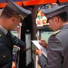 Slot machine truccate per sottrarre importi all'Erario