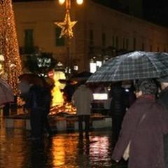 Sant'Antonio Abate, i fuochi battono la pioggia