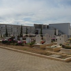 Cimitero e Centrale Unica di Committenza: il Consiglio approva