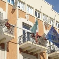 Attentato in Francia, bandiere a mezz'asta