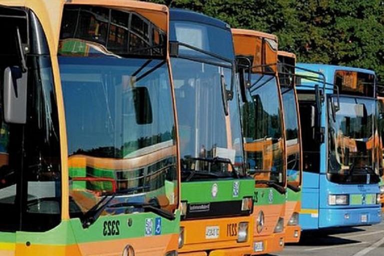 Mezzo di trasporto pubblico locale (repertorio)