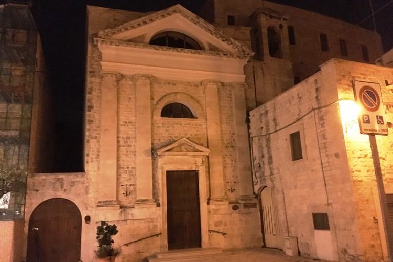 La facciata non è illuminata da due anni. <span>Foto Marzia Morva</span>