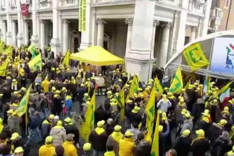 Coldiretti manifesta a Roma