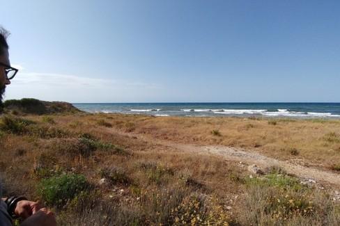 Leonardo Dell'Olio davanti al nostro mare