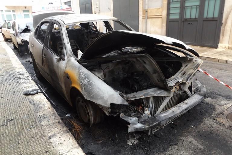 L'incendio in via Re di Puglia