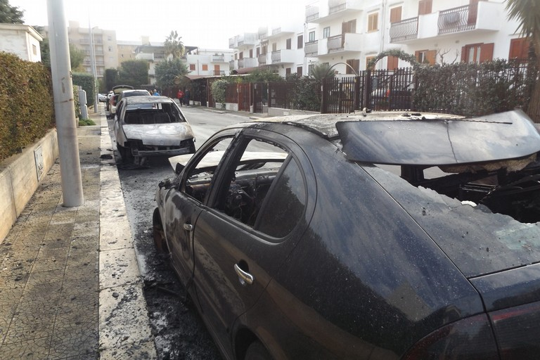 L'incendio in via Di Vittorio