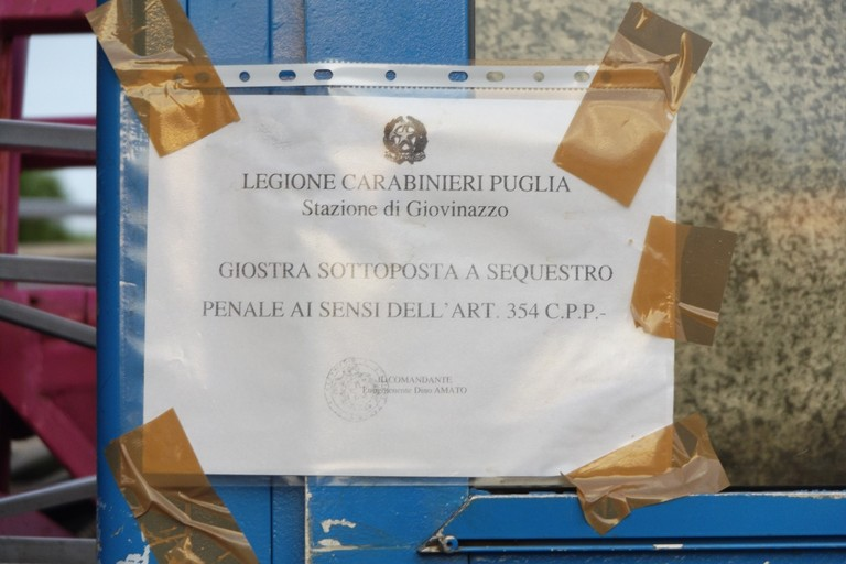 La ruota panoramica sequestrata dai Carabinieri