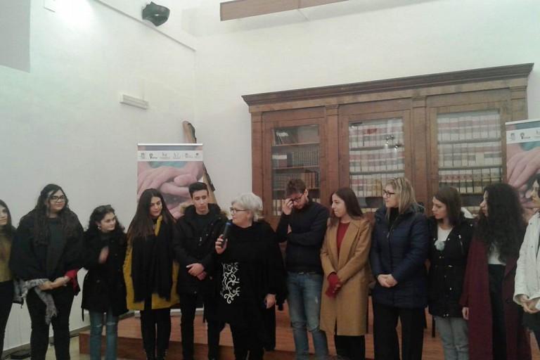 Annamaria Carella con il gruppo. <span>Foto Gianluca Battista</span>