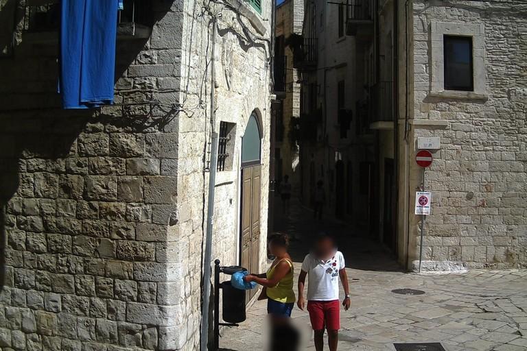 Beccata dalla fototrappola. <span>Foto Ufficio Stampa Comune Giovinazzo</span>