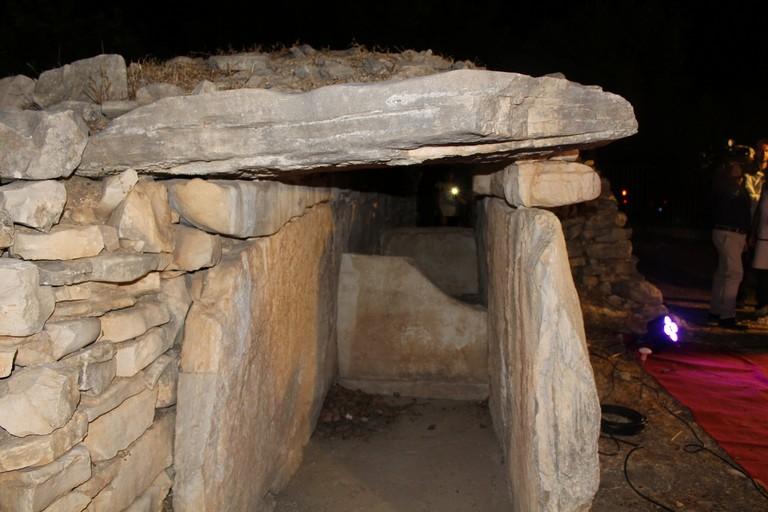 Uno degli ingressi al Dolmen. <span>Foto Gianluca Battista</span>
