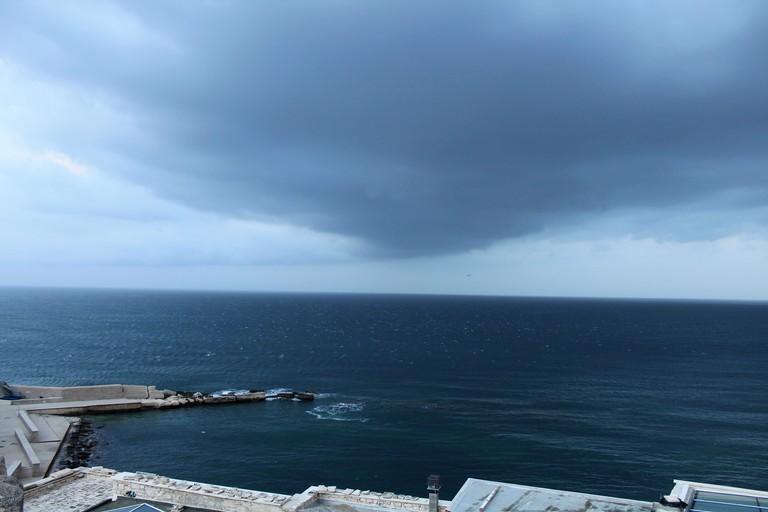Nuvole stratiformi a Levante. <span>Foto Gianluca Battista</span>