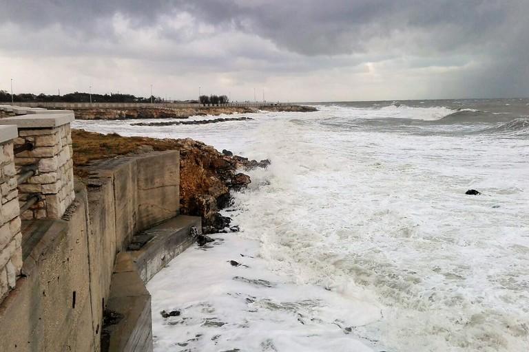 Mare agitato a Ponente. <span>Foto Giuseppe Dalbis</span>