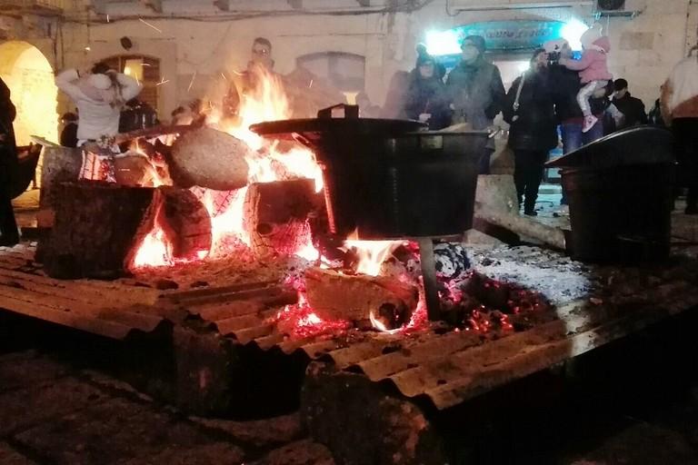 Stasera i Fuochi di Sant'Antonio Abate. <span>Foto Giuseppe Dalbis</span>