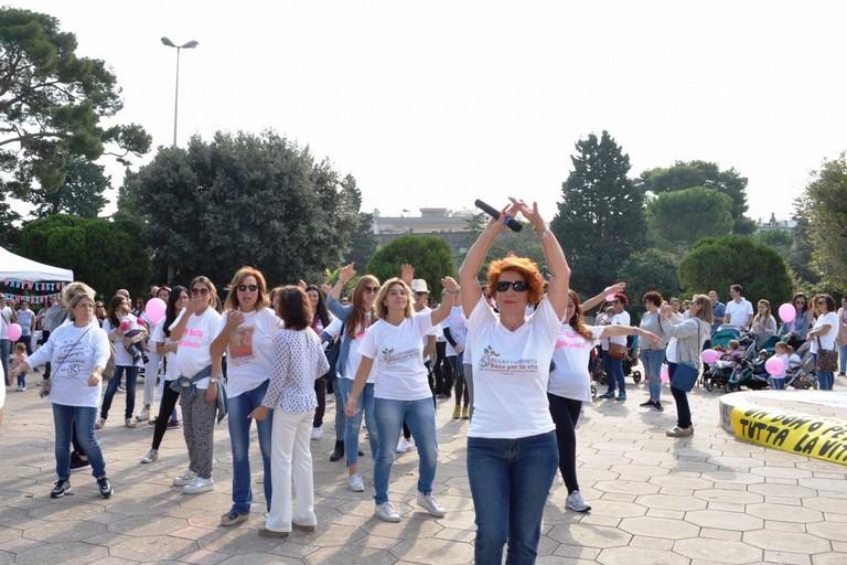 Il flash-mob in Villa Comunale (Foto Donatella Di Turi)