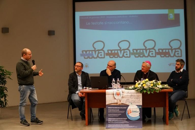 Gianluca Battista parla ai relatori. <span>Foto Cosimo de Gioia</span>