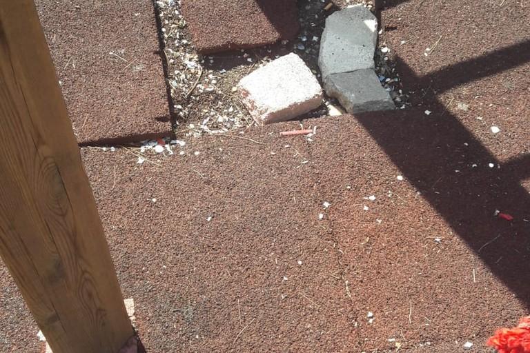 La pavimentazione danneggiata in Villa Comunale. <span>Foto L.A.</span>